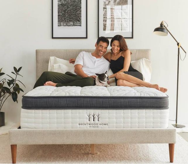 couple and dog on brentwoof mattress
