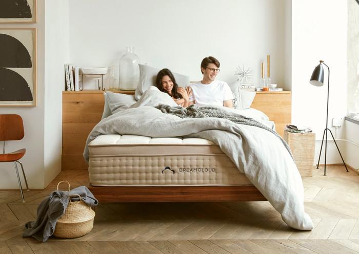 dreamcloud mattress comparison review comfort