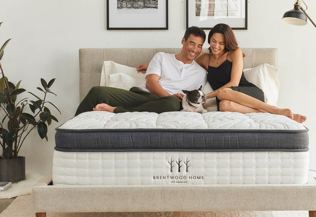 Oceano by Brentwood Home Mattress - couple on Oceano mattress