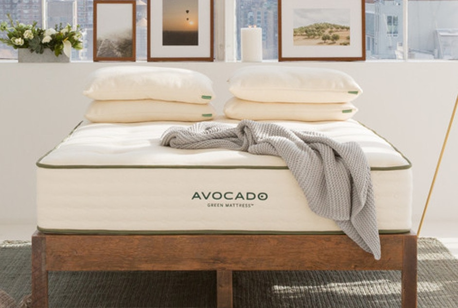 avocado mattress 4 pillows