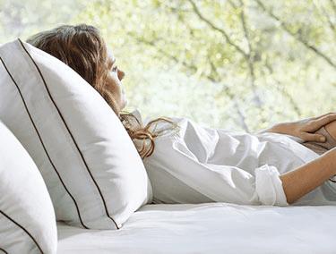 saatva dreams pillow review