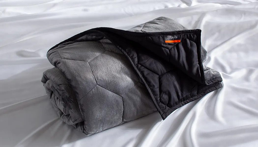 plush and comfortable weighted blanket review