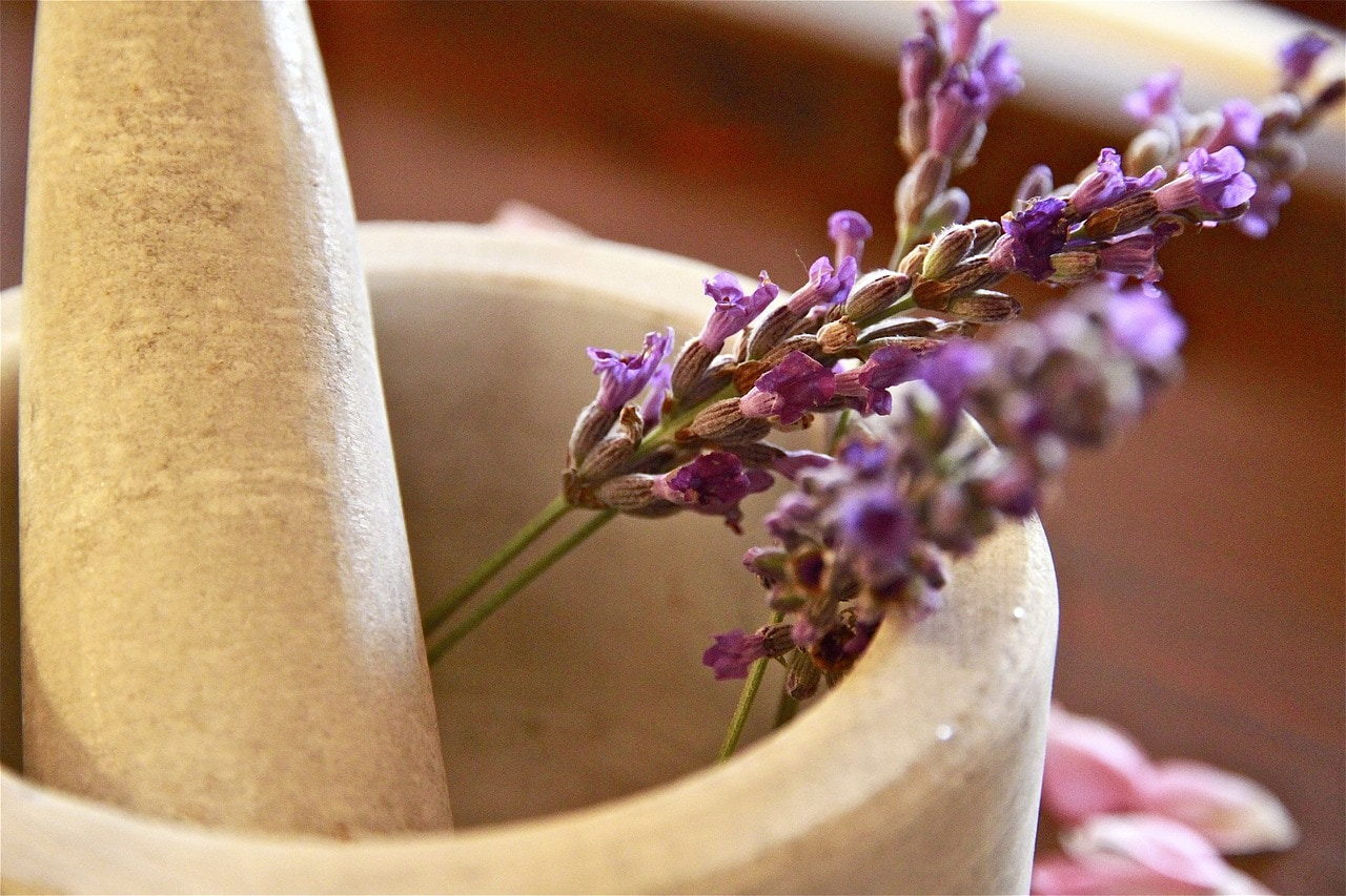 lavender chamomile sleep better with feng shui smells