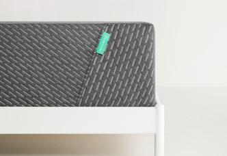tuft mint mattress corner