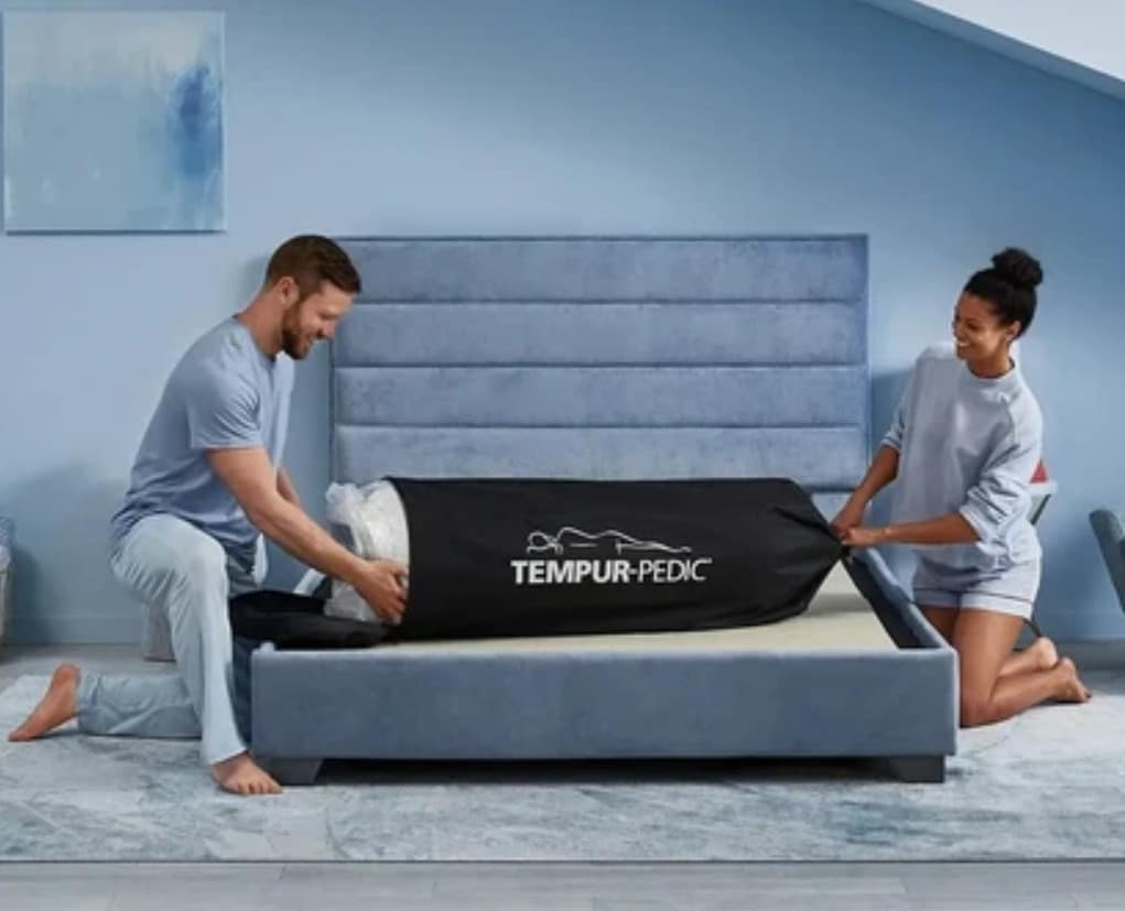 unboxing the Tempur-Cloud