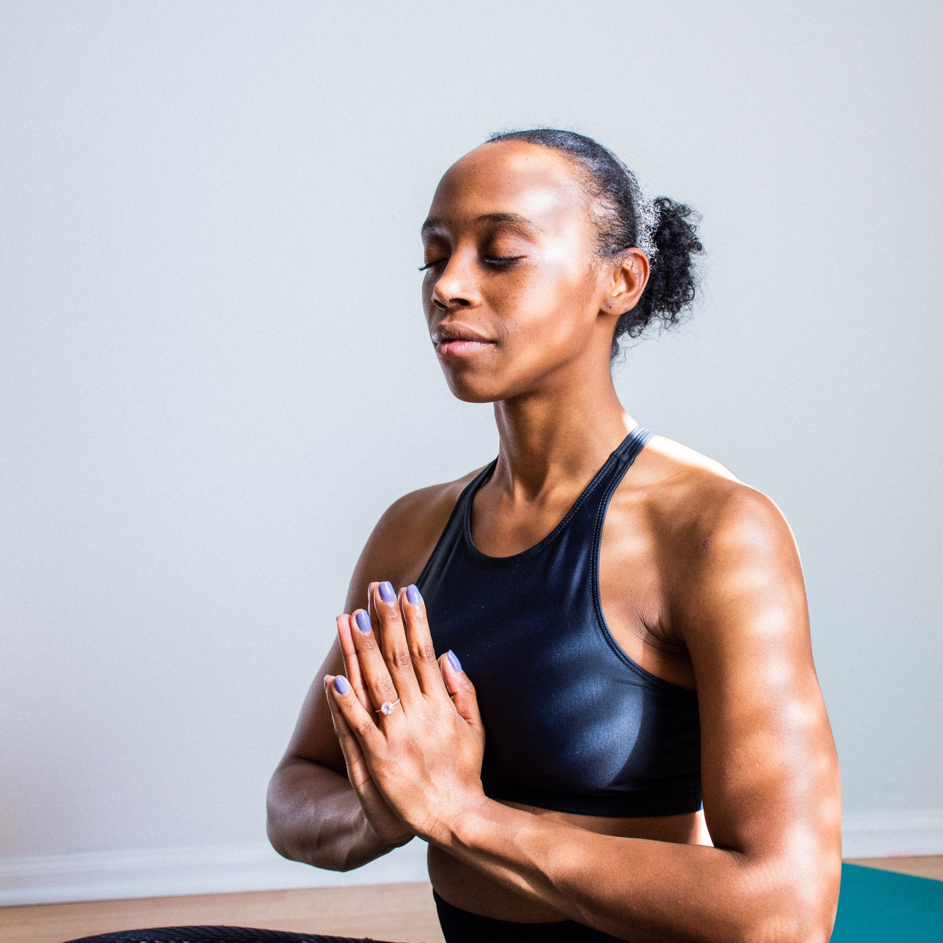 lower stress and anxiety with meditating