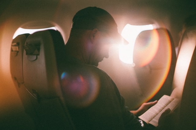 turn out the lights on the plane