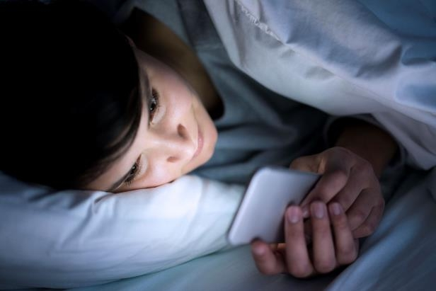 put down technology to sleep better as a heavy sleeper