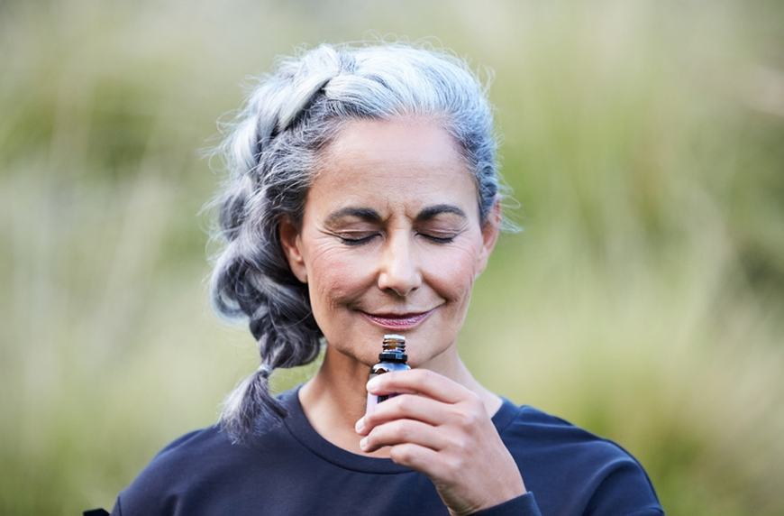essential oils can help relieve menopausal symptoms and sleep better