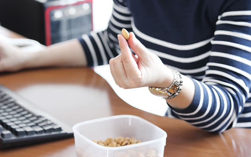 nuts and protein snacks for healthy energy levels