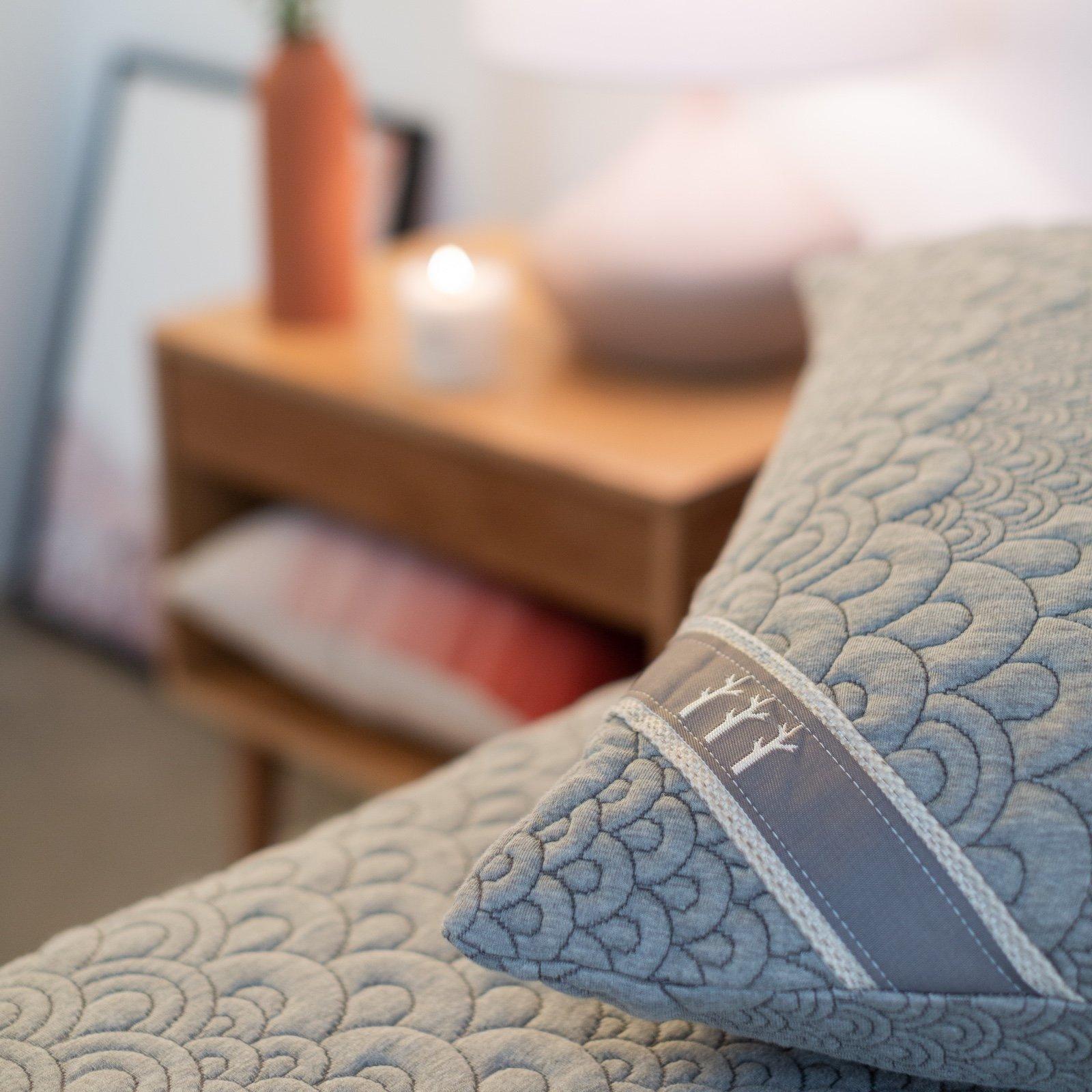 comfortable pillow adjustable memory foam fill