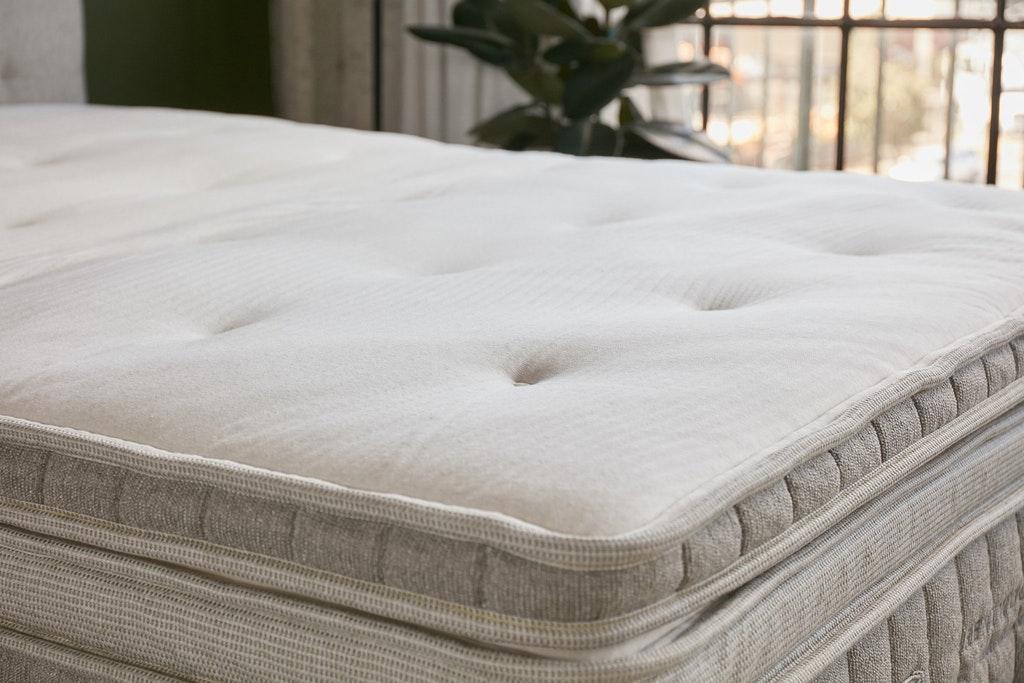 is the cedar brentwood home mattress topper good