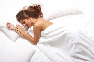 pros and cons of sleeping in the nude