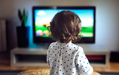 is watching tv at night okay for kids
