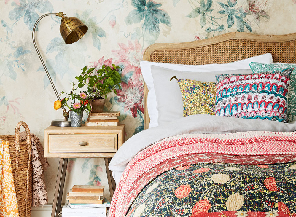 how to make my room feel clutter free