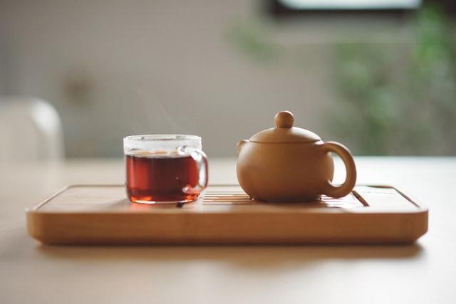 make a pot of herbal tea