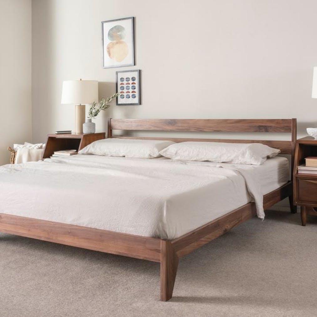 light bedding no dark plaid