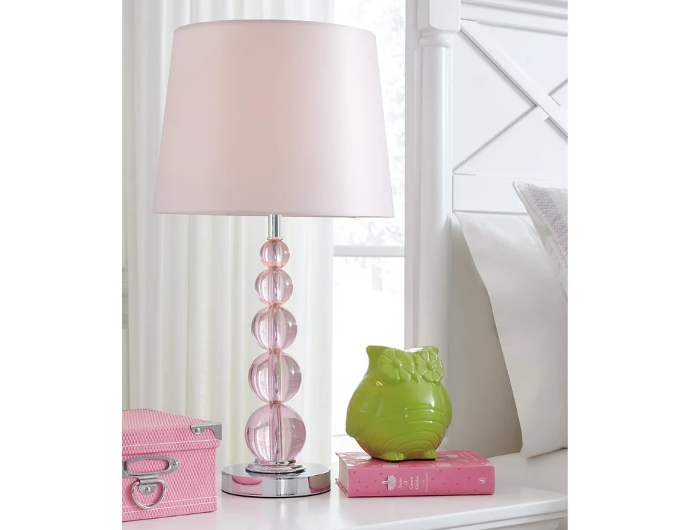 pink lamp brings cute looks and light