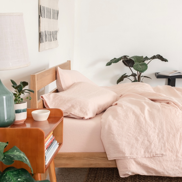 blush linen sheets from tuft&needle