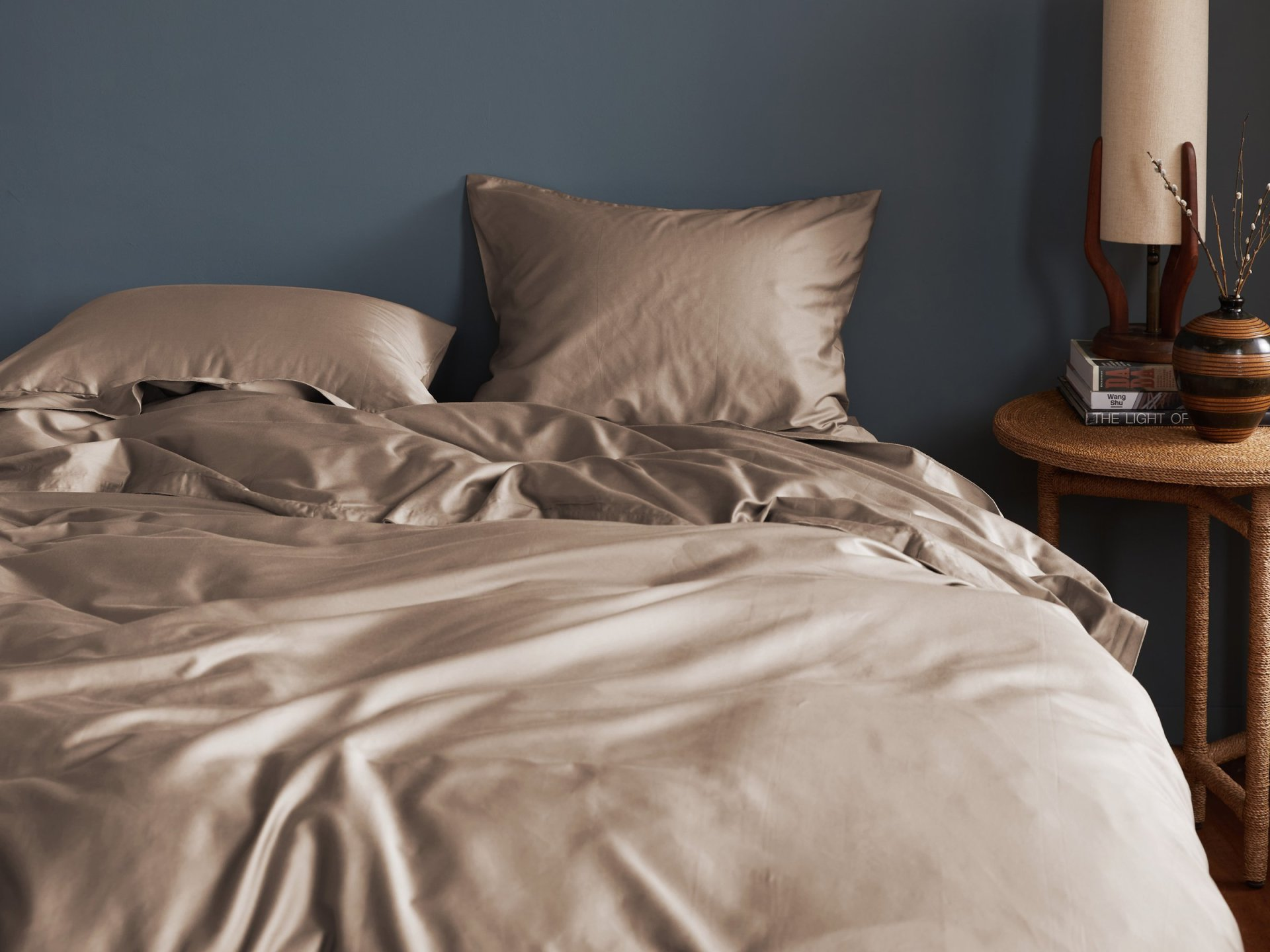 sateen duvet cover in the color fawn