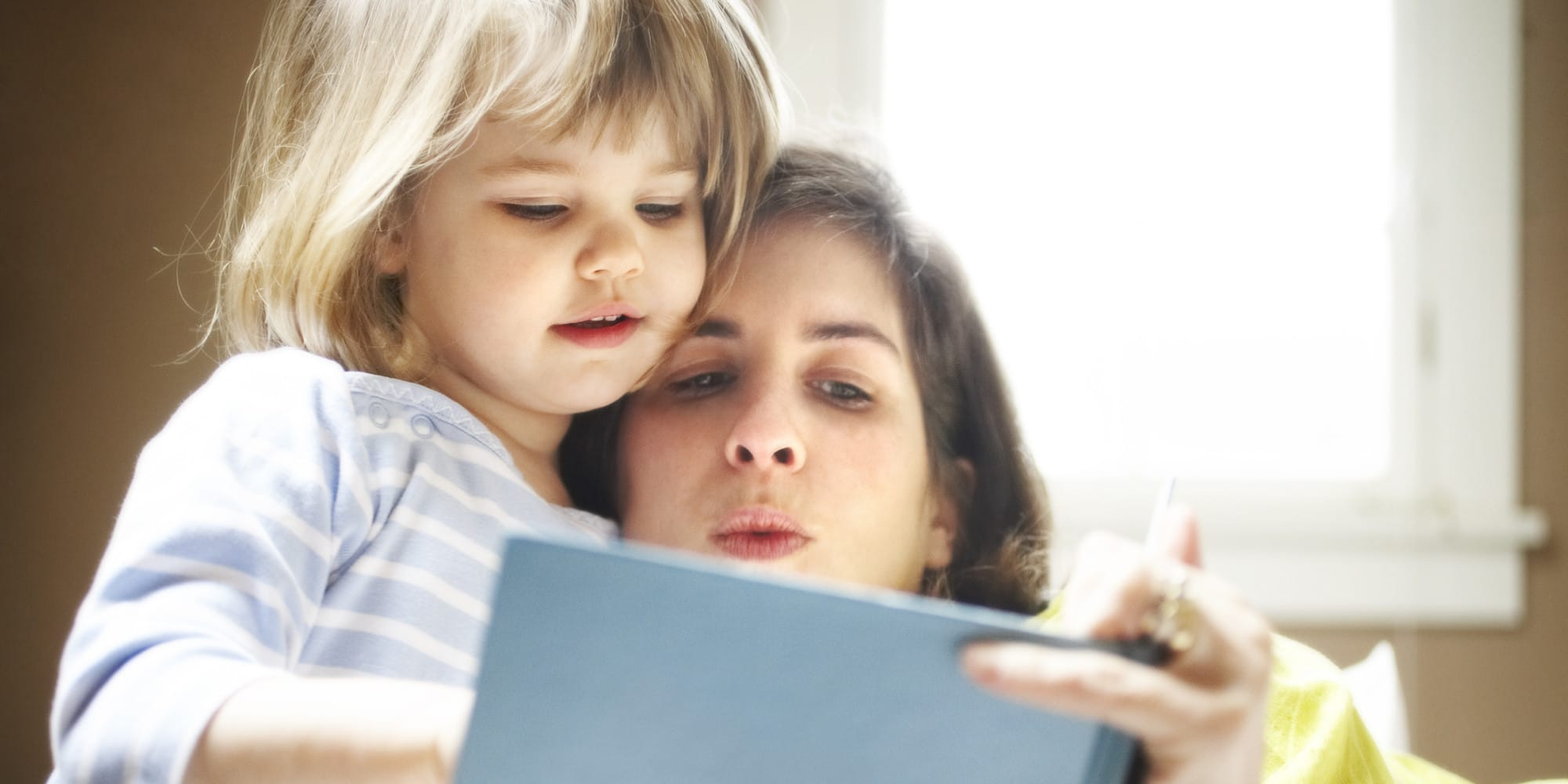 benefits of reading books to your kids at night