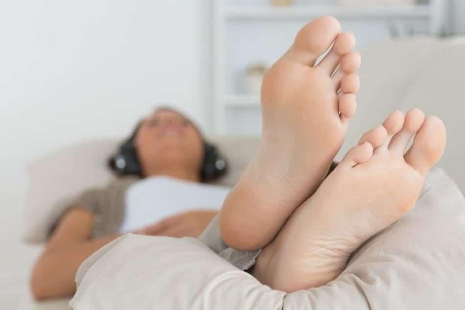tips for easing restless leg syndrome