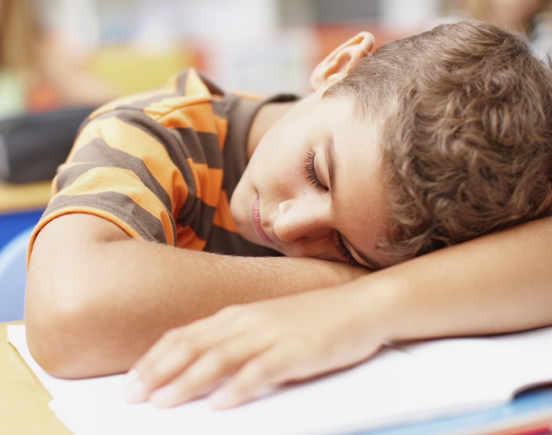 how to get your teens and kids to sleep in the summer