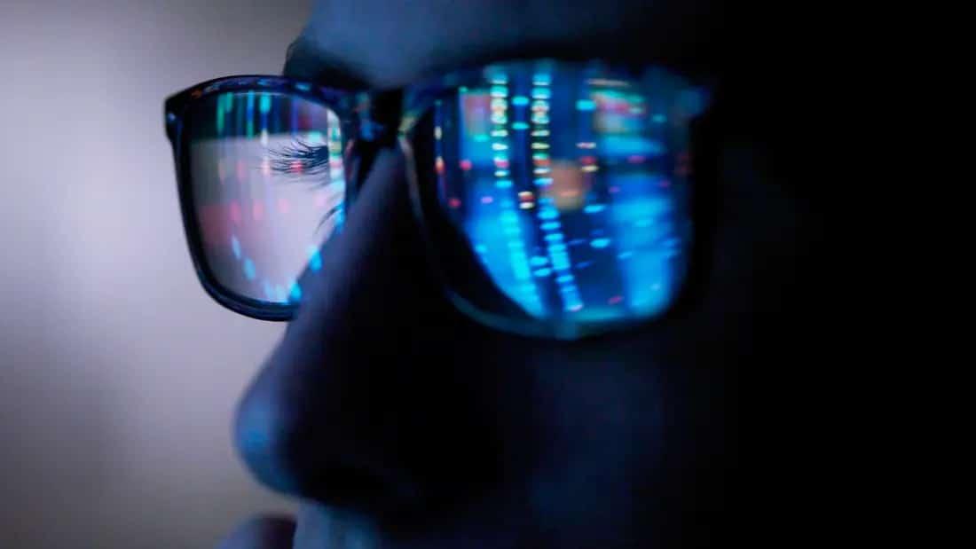 how do blue light glasses help you sleep?