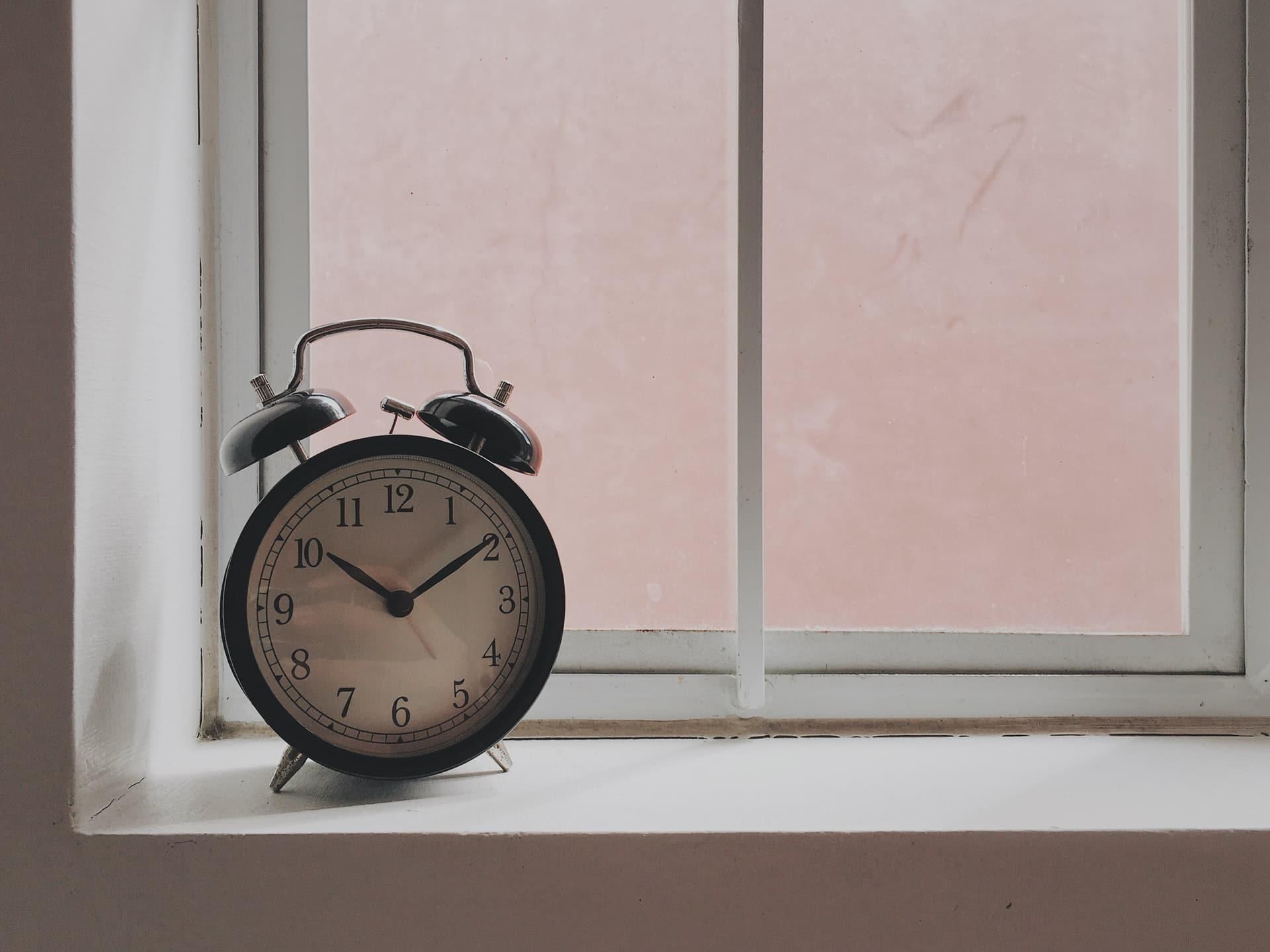 do men and women need different amounts of sleep?