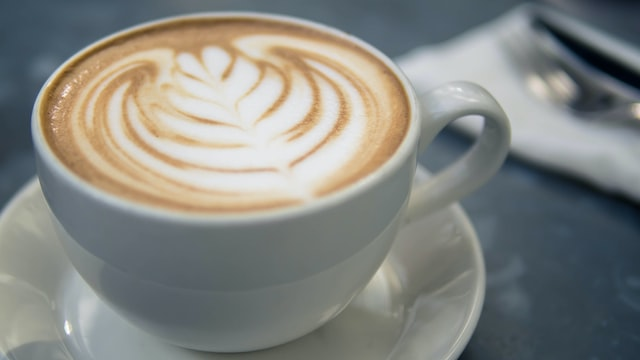 avoid coffee and caffeine in the evenings