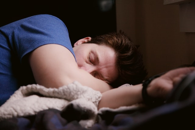 does your stomach continue digestion when you sleep?