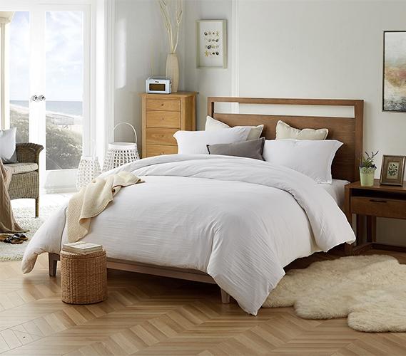 create a luxurious bedroom