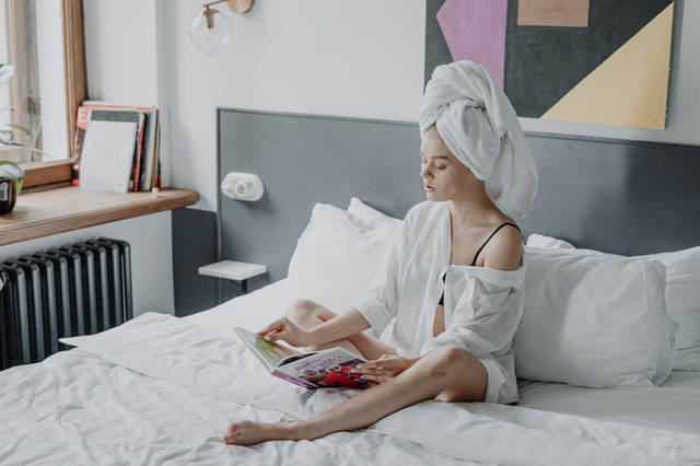 avoid fake tan and hair color with white bedding