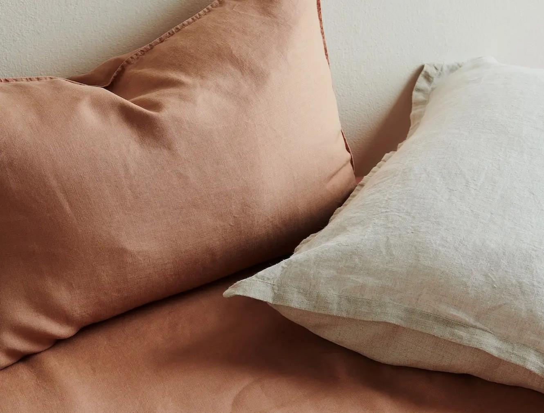 is it easy to wash hemp bedding?